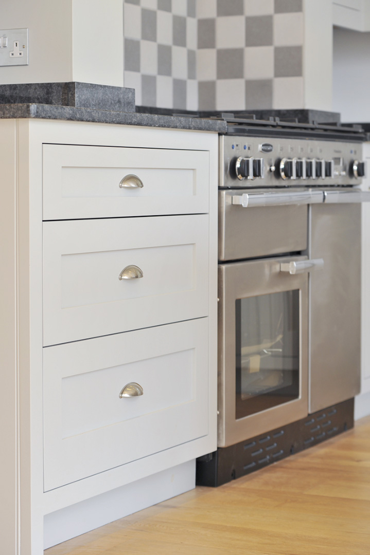Cooker and draws haslemere